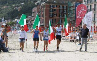 """Laigueglia, i """"Superstiti"""" Clusone BG sul podio dell'ottava edizione Sci di fondo on the beach"""