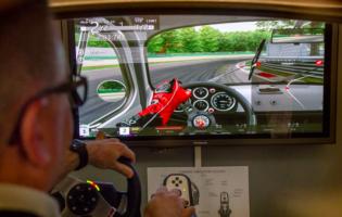 Al Museo Multimediale di Garlenda è arrivato un nuovo simulatore di guida per far vivere l'emozione di guidare una 500
