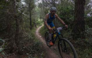 """Fausto Fognini ha vinto l'edizione 2018 della """"In3pid"""" Triathlon Cross di Laigueglia"""
