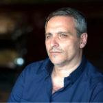 Nella classifica dei libri più venduti della settimana al primo posto Maurizio De Giovanni